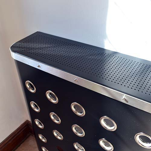 YOYO Black / Chrome Radiator Cover